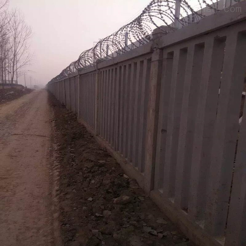 刺丝滚笼防护栅栏